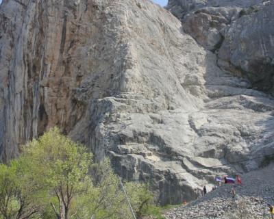 Альпинисты России собрались на скалах бухты Ласпи (фото, видео)