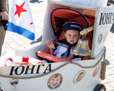 Весенняя «Мультимания» Севастопольского Парада Колясок. Юбилейный заезд (фото)