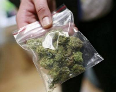 39-летняя жительница Сак хранила марихуану для личных нужд
