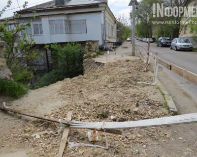 В Севастополе от Советской до Ленина всего один шаг... в пропасть (фото)