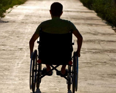 Житель Башкирии проехал на инвалидной коляске 2500 километров, чтобы прибыть на празднование 9 мая в Севастополь