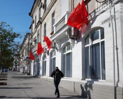 Наш белый Севастополь. «Сказали красить, значит – красим!» (фото)
