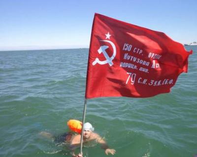 Плавец-экстремал переплыл Керченский пролив! Как это было (фото)