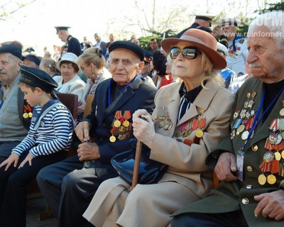 Поспеши сказать им СПАСИБО........(фото севастопольских ветеранов)