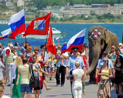 C 29 апреля по 11 мая в Крыму было зафиксировано более 175 тыс. туристов!