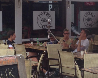 В барах Севастополя «губят» молодежь!