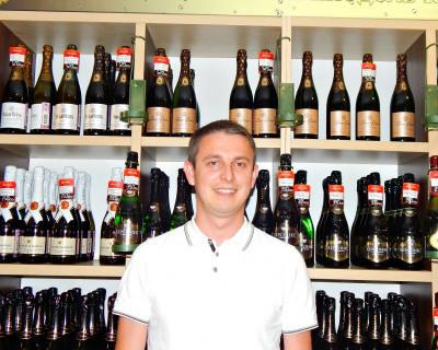 Кто в Севастополе навязывает винную моду?