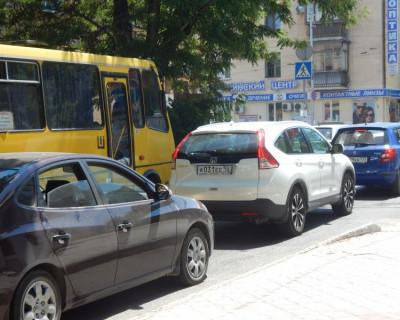Дорожный коллапс в Севастополе (фото)
