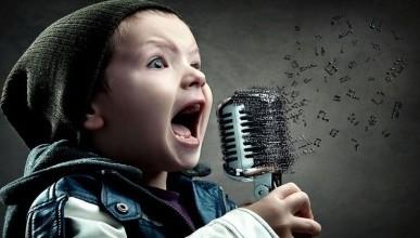 Украинские СМИ разразились потоком ядовитых комментариев, услышав в исполнении ребёнка самодеятельную песню со словами «Путин - самый лучший в мире Президент». (видео)