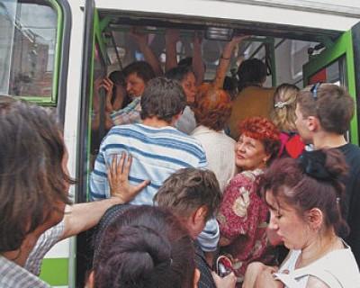 В Севастополе необходимо перемещаться на крыше общественного транспорта?