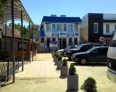 Как из простой автостанции превратиться в торгово-развлекательный центр поселка (фото)