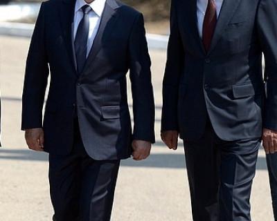 Президент, премьер-министр, полномочный представитель и губернатор направились в кадетское училище