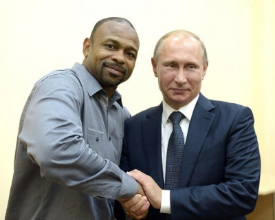 В Севастополе «Боксёр десятилетия» попросил у Владимира Путина российского гражданства