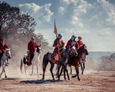 Как проходит подготовка к Крымскому военно-историческому фестивалю на Федюхиных высотах?