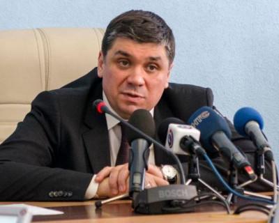 Юрий Восканян снял себя с учета в Севастопольском отделении партии «Единая Россия»?