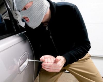 Севастополец хотел угнать незаводимый автомобиль