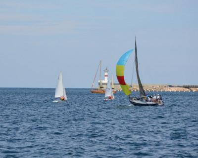 Между тем в стране севастопольского яхтинга... (фото)