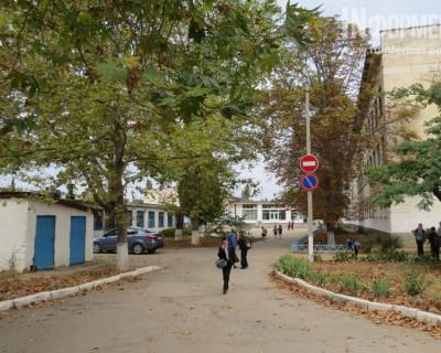 Пока директор Мася превращает территорию школы №34 в общественную уборную