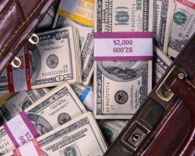 Сказ о судебных тяжбах с семьей Карпеевых в Севастополе и долговых расписках на ¼ миллиона долларов (документы)