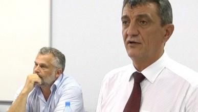 Сергей Меняйло переигрывает Чалого на всех фронтах