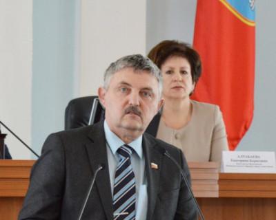 МНЕНИЕ ГОРОЖАН: Чем занимаются депутаты Законодательного собрания Севастополя? (видеоопрос)