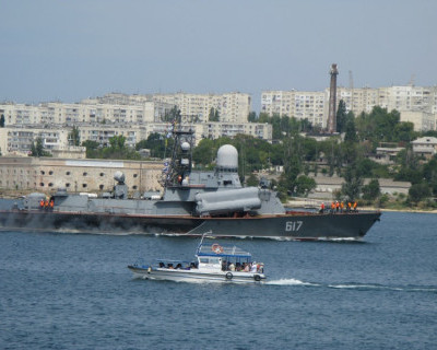 У берегов Крыма стреляют. Ракетами