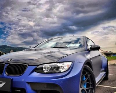 В Крыму два BMW делили и не поделили дорогу