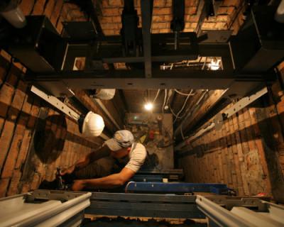 В многоквартирных жилых домах Севастополя будут заменены лифты