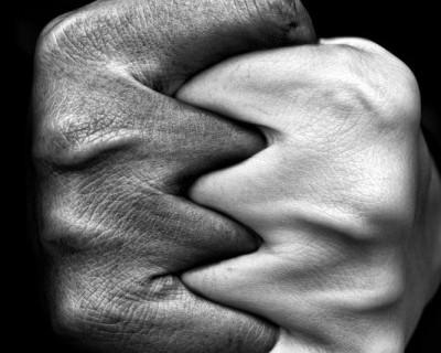 Ночной «ИНФОРМЕР»: Чрезмерные возлияния стали причиной вывихнутой челюсти и испорченных выходных (фото)