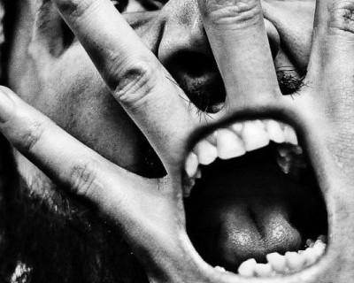 """Ночной «ИНФОРМЕР»: Никто в Севастополе не знал или кто-то """"крышует"""" продажу алкоголя по ночам? (видео)"""