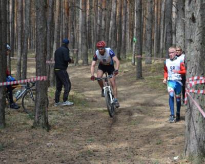 На первых крымских соревнованиях по дуатлону севастопольцы завоевали пять медалей