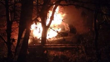 В МЧС России по Крыму подтверждают факт многочисленных поджогов автомобилей в Симферополе (фото)