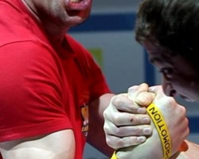 Четверо севастопольцев стали чемпионами Крымского федерального округа по армспорту