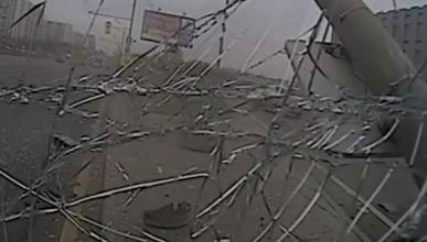 Пассажиры маршрутки на скорости вылетели из кресел (видео с трех камер)