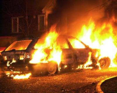 В Севастополе неизвестные поджигают автомобили (эксклюзивное видео)
