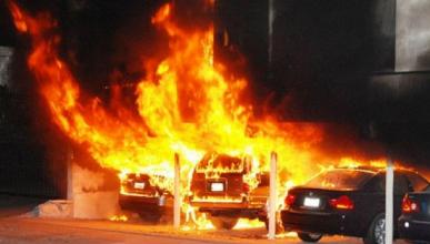 Симферопольские поджигатели уничтожили 14 автомобиль