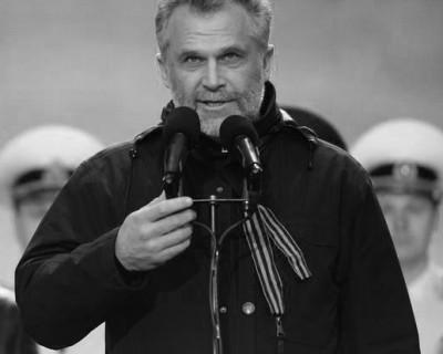 """Ночной ИНФОРМЕР: Помнят ли севастопольцы имя """"Народного мэра""""?"""
