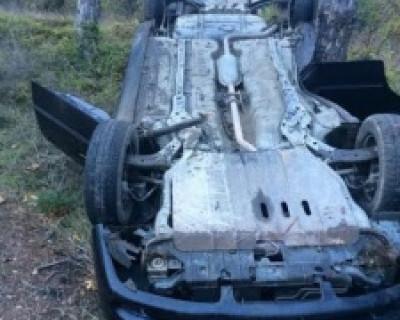В Крыму Мерседес на большой скорости зацепил автомобиль и скрылся с места ДТП. Есть пострадавшие (фото)