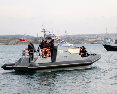 Морские части Севастополя приняли на вооружение три новых катера (фото)