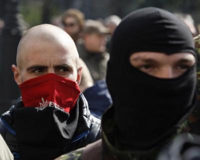 Украинские боевики продолжают блокировать в Херсонской области опоры линий электропередач