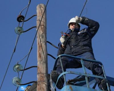 Компания «Укрэнерго» завершила работы по восстановлению линии 220 кВ «Каховская –Титан»
