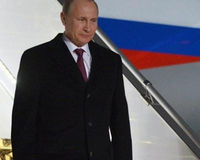 Президент России Владимир Путин прибыл в Крым и запустил первую нитку энергомоста (видео)