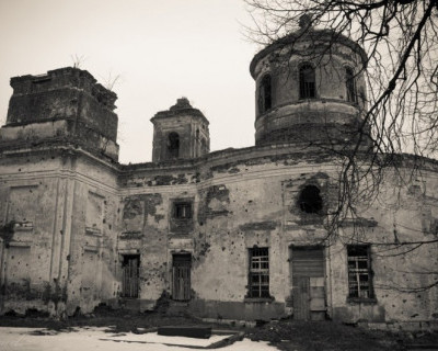 Ночной ИНФОРМЕР: В Балаклаве вот-вот развалится жилой дом, а жильцы просят «Вытравите крыс!» (фото)