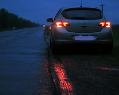 Ночной ИНФОРМЕР: Социальный эксперимент. Ждать ли помощи поломавшемуся автомобилисту на безлюдной дороге в Севастополе (видео)
