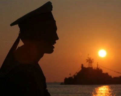 Боевые корабли Черноморского флота приступили к дежурству по охране и обороне газовых вышек госкомпании «Черноморнефтегаз»