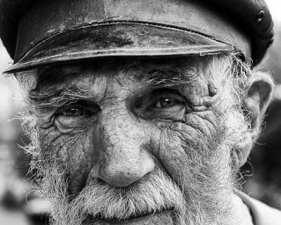 В Ялте украинец ограбил пенсионера