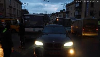 Внимание, в Севастополе гололед и ДТП (фото)