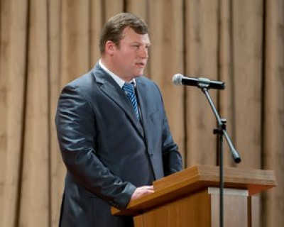 Меняйло представил нового начальника Департамента аппарата Губернатора и Правительства