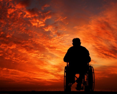 Более трёх лет инвалиды Севастополя задыхаются в четырёх стенах и не видят солнца (документы)