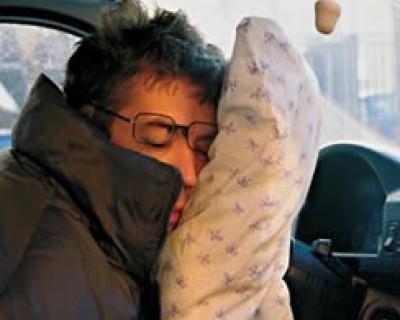 Ночной ИНФОРМЕР: В Севастополе пьяный водитель удачно уснул за рулем едущего авто